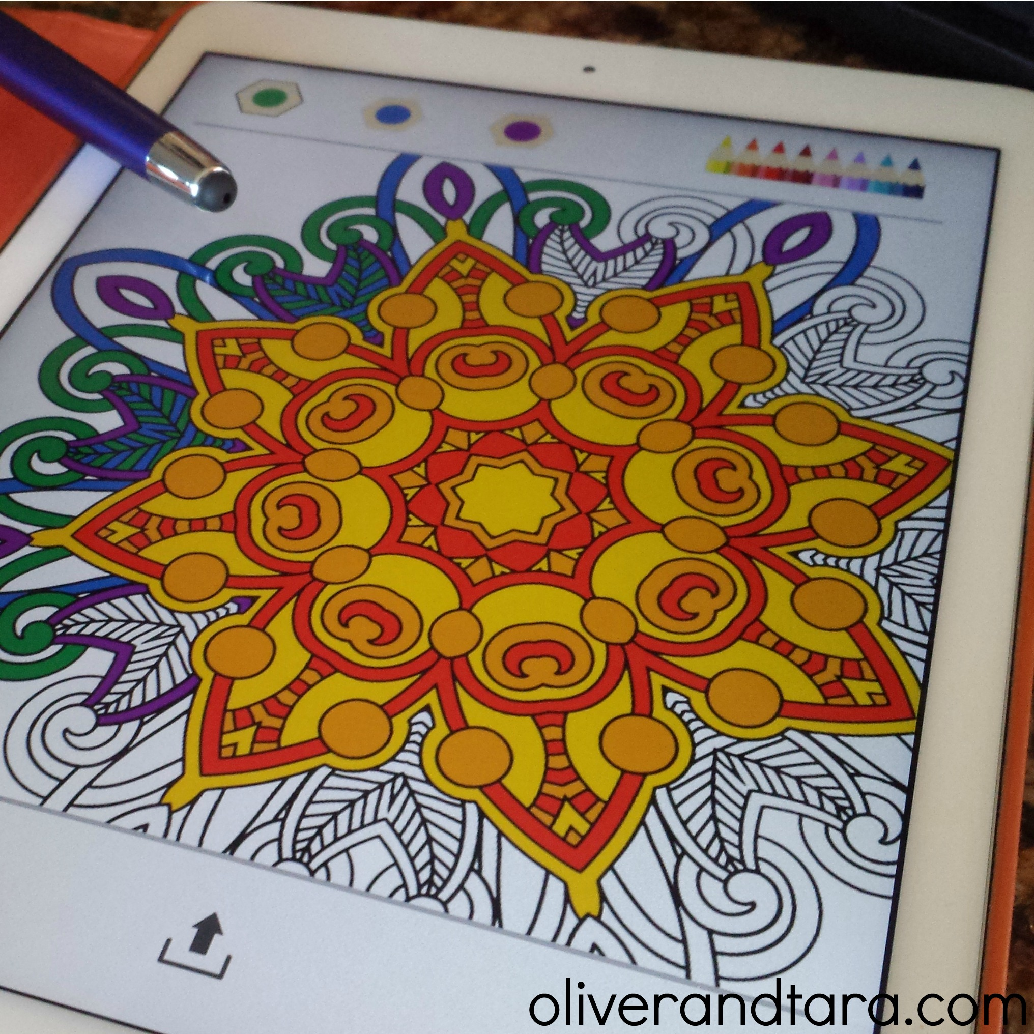 Using coloring apps to stay focused! | read more at: www.oliverandtara.com